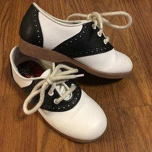 Smarfit size 10.5 kids saddle shoes
